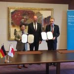 Bild 2: Unterschrift einer Kooperationsvereinbarung der TU Ilmenau mit der Meiji University (明治大学)